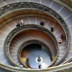 Scala principale dei Musei Vaticani- Immagine di Flickr User Renate Flynn