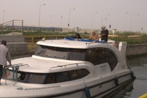 Houseboat sul fiume Po