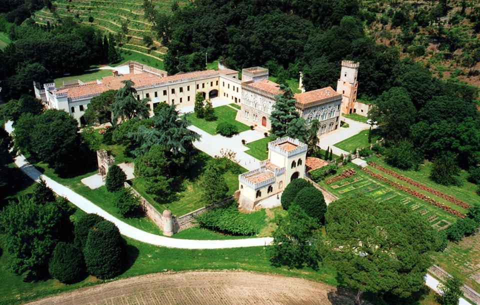 Veduta aerea del Castello di Lispida