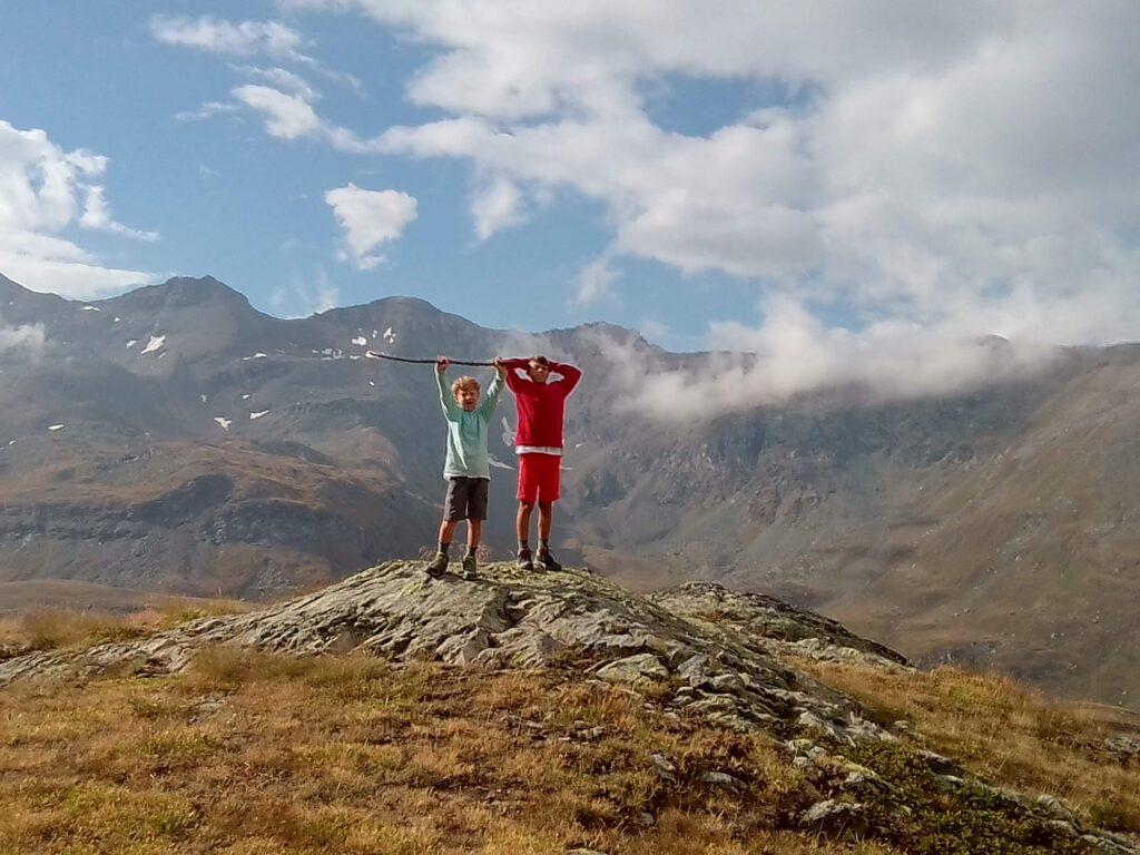 Valle d'Aosta, bambini in vetta