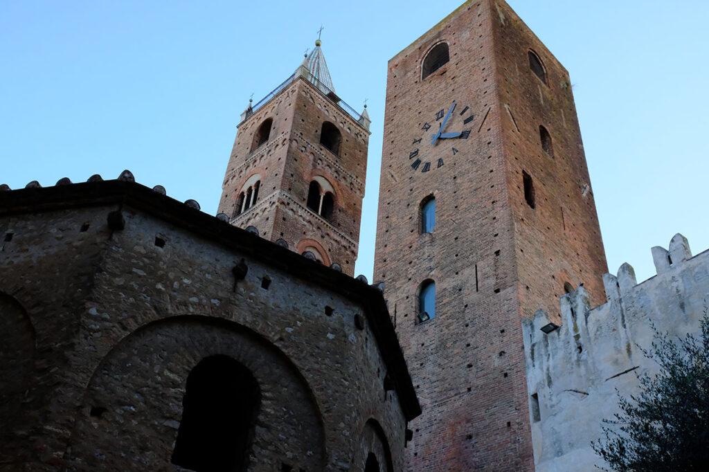 Battistero e torri di Albenga