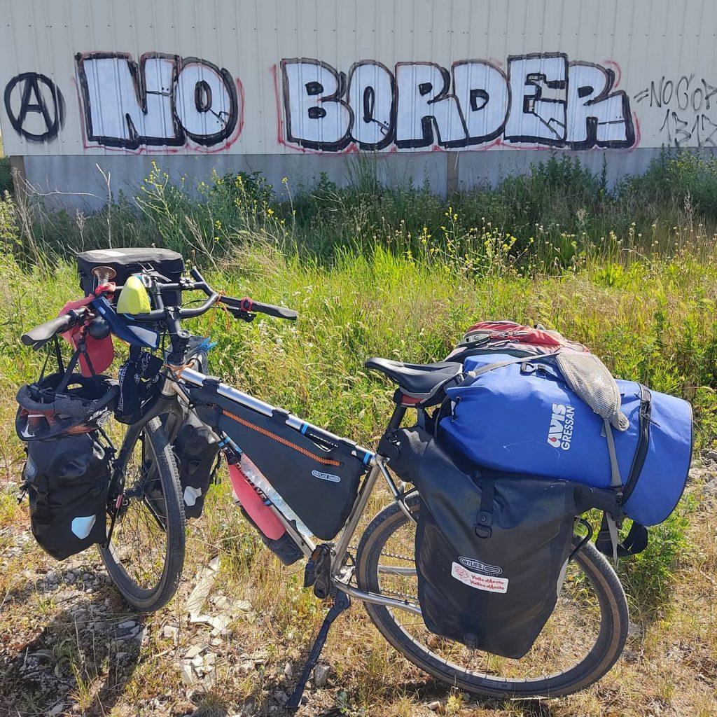 Nessun confine