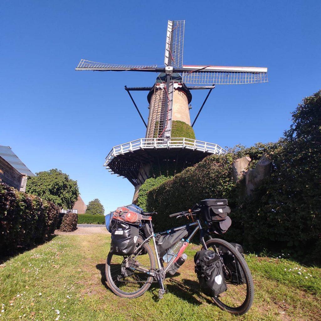 verso Hooge Zwaluwe