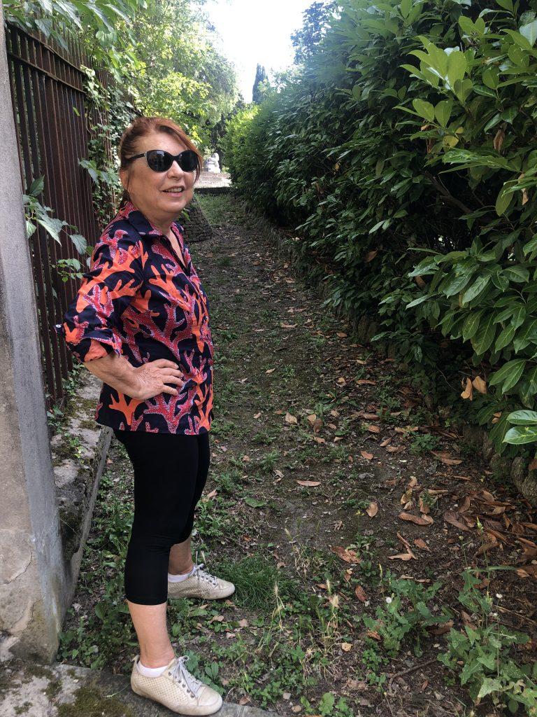 Syusy nel giardino di Piazza Carducci